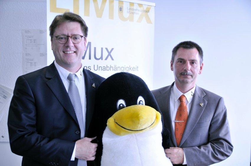 Z prawej Peter Hofmann,  lider projektu LiMux